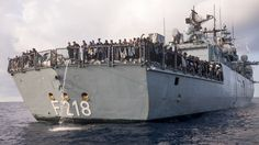 Deutsche Fregatte hat Schaden: Wie Taucher ein Kriegsschiff prüfen