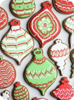 Diply.com - Christmas Sugar Cookies