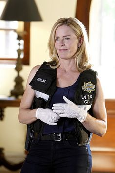 Elisabeth Shue in CSI: Crime Scene Investigation (2000)