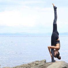 @Seonia rocking the Lush Bra & Goddess Legging. #aloyoga #beagoddess
