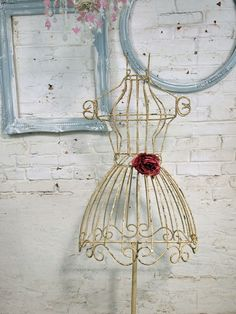 Painted Cottage Chic Shabby White Iron Dress Form