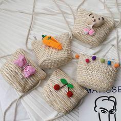 Children Lovely Weaving Bag Shoulder Messenger Coin Purse Pack For Ch Crochet Handbags, Crochet Purses, Crochet Shoulder Bags, Crochet Pouch, Fabric Bags, Handmade Bags, Handmade Bracelets, Knitted Bags, Crochet Accessories