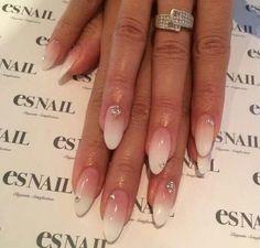 Gradient nails. esNails