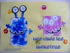 - voici les petits monstres de T 2 ans, peinture et collage des yeux et bouches des monstres.... - voici les monstres de bb 17 mois, juste du coloriage ..... - nounou a trouvé un livre de collage de petits monstres rigolos plus de 500 gommettes et stickers...