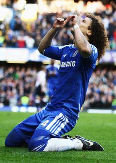 Not a huge Chelsea fan, but the Champion's League final today was fantastic. And I kind of love David Luiz :)