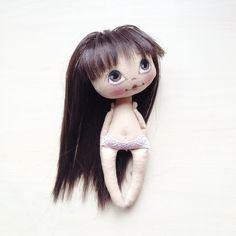 В общем если такой фон нравится пусть будет он я не против) это мой рабочий стол не надо далеко ходить куколка малышка свободная, потом пойдут заказы #кукла #куколка #куклаолли #олли #doll #dollolly #artdoll