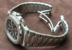 Patek Philippe 5990/1A (5990) Nautilus Steel Watch Hands-On