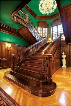 26 Stunning Victorian Stairs Design Ideas With Gothic Style Victorian Homes Exterior, Victorian Home Decor, Old Victorian Homes, Victorian Interiors, Victorian Architecture, Beautiful Architecture, Victorian Houses, Interior Architecture, Interior Design