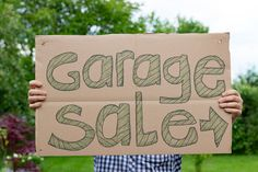 Survival Tips for the Garage Sale Novice via @helloparentco