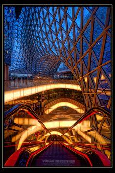 Frankfurt - MyZeil - escalator by Roman Seeleitner, via 500px