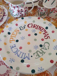 Sample 1.5 Ilex jug December 2014 All Things Christmas, Christmas Home, Pottery Cafe, Emma Bridgewater Pottery, English Pottery, Christmas Plates, Hearth And Home, Pottery Plates, Plate Design