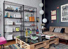 Neste post você vai ver bons exemplos para  se inspirar, transformando caixotes em estantes, sofás, mesas, racks, mesas de centro e até mesmo quadros. Vai vendo: