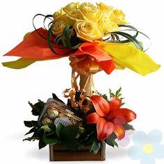 Arreglo Con Rosas Alba Arte Floral, Alba, Floral Arrangements, Floral Wreath, Wreaths, Flowers, Decor, Rose Arrangements, Floral Design