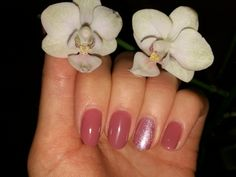 Violet autumn nails with orchid