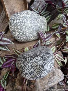 Objets de décoration en galet peint et décoré à la main, naturels ou colorés…