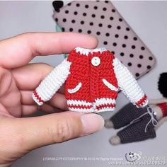 Small Jacket for 小伍玥 May ❤ ️Pattern by Knitting Dolls Clothes, Crochet Doll Clothes, Knitted Dolls, Doll Clothes Patterns, Crochet Dolls, Doll Clothes Barbie, Barbie Dolls, Crochet Doll Pattern, Crochet Patterns