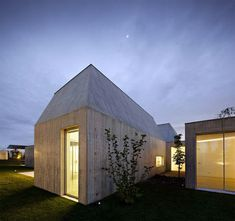 House in Ovar: the unexpected plasticity of concrete