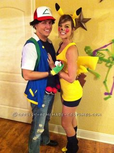 Ash and pikachu Costume Halloween, Halloween Party Kostüm, Pumpkin Costume, Couple Halloween, Pokemon Halloween, Best Couples Costumes, Family Costumes, Cool Costumes, Costume Ideas