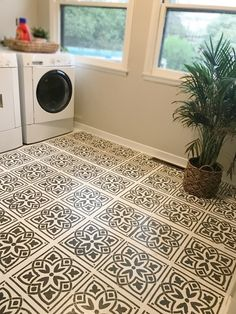 Craftsman Bungalow DIY stencil floor - theturquoisemomma Parents Guide To High Chairs Article Body: Painting Linoleum Floors, Linoleum Flooring, Diy Flooring, Painted Floors, Bathroom Flooring, Kitchen Flooring, Flooring Ideas, Stencil Diy, Stencil Painting