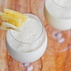 A #glutenfree, #sugar free and #vegan pina colada #smoothie that is bound to rejuvenate you and make you feel refreshed.