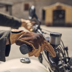 With the Fuel Rodeo Glove Yellow, you get your hands on true classic motorcycle gloves! Classic Motorcycle, Motorcycle Gloves, Yellow And Brown, Hot Days, Rodeo, Hands, Leather, Collection, Bull Riding