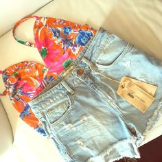 "Zara denim shorts Measures 13"" across waist ,10"" long , 1.5"" inseam PRICE is FIRM   follow me on Instagram: iluvshoes22 NO trades Zara Other"