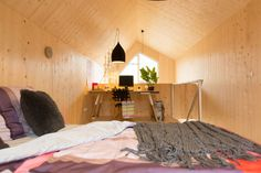 Heijmans ONE, a movable home that can be placed in any urban site in just one day. Affordable Prefab Homes, Modern Prefab Homes, Prefab Cabins, Prefabricated Houses, Portable House, Tiny House Cabin, Tiny Houses, Sleeping Loft, First Home