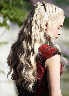 game of thrones, emilia clarke, and daenerys image Casual Hairstyles, Pixie Hairstyles, Pretty Hairstyles, Wedding Hairstyles, Emilia Clarke, Medieval Hairstyles, Bella Beauty, Afro, Mother Of Dragons