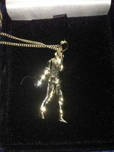 Michael Jackson Chain - http://www.michael-jackson-memorabilia.co.uk/?p=7145