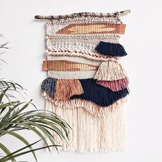 "Léna Malevitis on Instagram: ""Un petit nouveau dispo sur la boutique Etsy : wovenbylena #woven #weaver #weaving #wallhanging #tictail #tissage #textile #decoration…"" • Instagram Flax Weaving, Weaving Art, Tapestry Weaving, Loom Weaving, Wall Tapestry, Hand Weaving, Macrame Wall Hanging Diy, Textiles, Weaving Projects"