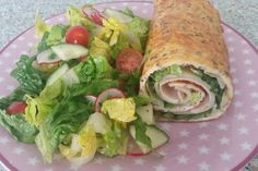 Basic recipe low-carb wrap, a nice recipe from the basic recipes category. Ratings: Average: Ø Basic recipe low-carb wrap, a nice recipe from the basic recipes category. Menu Dieta Paleo, Low Carb Wraps, Homemade Burgers, Low Carb Lunch, Paleo Dinner, Paleo Breakfast, Chop Suey, Convenience Food, Paleo Recipes