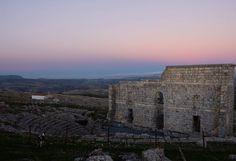 #Atardecer en las #ruinas de #Acinipo. Hemos descubierto otro #teatroromano bonito de #Cadiz. #ok_andalucia #ok_cadiz #viveandalucia #asies_andalucia #pueblosblancos #cadizmehizoami