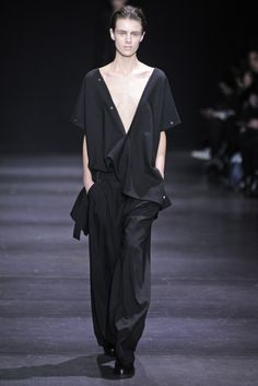 Ann Demeulemeester RTW Fall 2014 [Photo by Giovanni Giannoni]