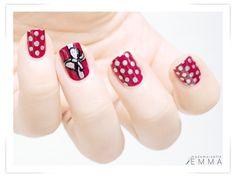 Essie Very Cranberry dotted (c) Le blog de Mademoiselle Emma