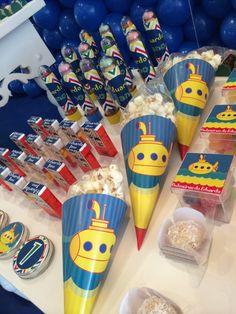 Decoração chá de bebê menino yellow submarine Beatles Birthday Party, 6th Birthday Parties, Dad Birthday, Birthday Ideas, Festa Yellow Submarine, Party Pops, Music Party, Papi, Baby Shower