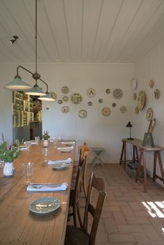Get more inspirations on: diningroomideas.eu Dining Room Design, Table Settings, Dining Table, Rustic, Inspiration, Furniture, Home Decor, Self, Country Primitive