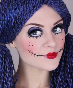 Scary Doll makeup tutorial for Halloween Costume Halloween, Scary Doll Costume, Looks Halloween, Amazing Halloween Makeup, Scary Dolls, Fete Halloween, Costume Makeup, Halloween Face Makeup, Halloween Stuff