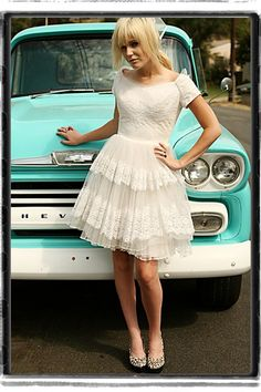 cute photo & could the dress be any more adorable!