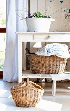 Minty House Blog : Bratki, Słońce i wariacje na temat wikliny