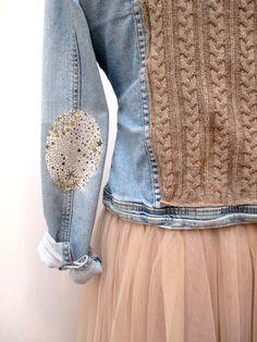 Customisation d'une veste en jean avec recyclage d'un vieux pull, coudière thermocollante liberty. Jupe tulle, tutu.