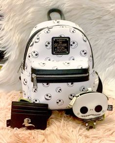 Disney Handbags, Disney Purse, Purses And Handbags, Cheap Handbags, Prada Handbags, Luxury Handbags, Cute Mini Backpacks, Stylish Backpacks, Girl Backpacks