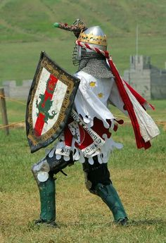 King Alaric (now a Count) of the Midrealm, outside the Pennsic fort (photographer Ron Lutz)