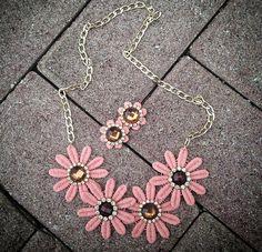 DAISY  Nude Torchon Set: necklace and earrings por DDSoutache