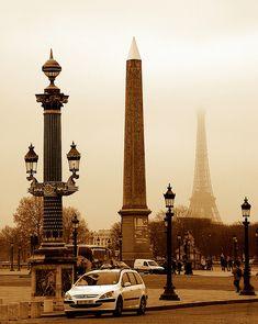 un deux trois    Ornate street lamp post, Obélisque de Luxor, Place de la Concorde and Eiffel Tower.