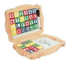 """Diese Tafel für Kinder bietet viele Möglichkeiten voller Spaß, denn an der Tafel kann nicht nur geschrieben und gemalt werden. Die Tafel bietet außerdem Platz für großen Magnet-Spaß. Dabei sind bunt lackierte Buchstaben und Zahlen aus Holz für die Magnet-Seite und einen Stift. Zur Not kann alles wieder mit dem Schwamm weggewischt werden! Die Magnettafel ist ein Muss für alle kleinen """"Lehrer""""!  geöffneter Koffer: ca. 39 x 26 x 2 cm"""