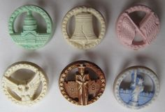 Nice colored set of patriotic buttons.  Only $4.50 on ebay so I bought them.  You gotta shop around :)