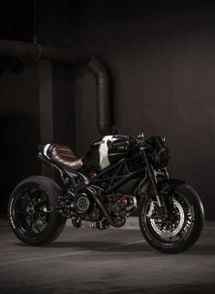 Things Ducati, old & new! Send me your Ducati photos, links, etc along with a description. Ducati Cafe Racer, Moto Ducati, Ducati Motorcycles, Cafe Bike, Cafe Racer Bikes, Moto Bike, Ducati 796, Cafe Racers, Vintage Motorcycles