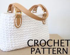 Crochet Bag Pattern using t-shirt yarn. Chunky and sturdy, elegant handbag, one of a kind! Pattern is step-by-step with photos.