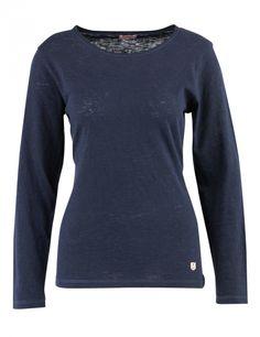Un look décontracté pour ce tee-shirt confectionné en coton et lin. Son tombé fluide caractérise ce nouvel essentiel du vestiaire féminin.  T-shirt col rond, collection Héritage, manches longues.  70% coton - 30% lin