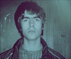 Find images and videos about oasis, liam gallagher and beady eye on We Heart It - the app to get lost in what you love. Liam Oasis, Liam Gallagher Noel Gallagher, Oasis Music, Oasis Band, Definitely Maybe, Rockn Roll, Britpop, Important People, Ringo Starr